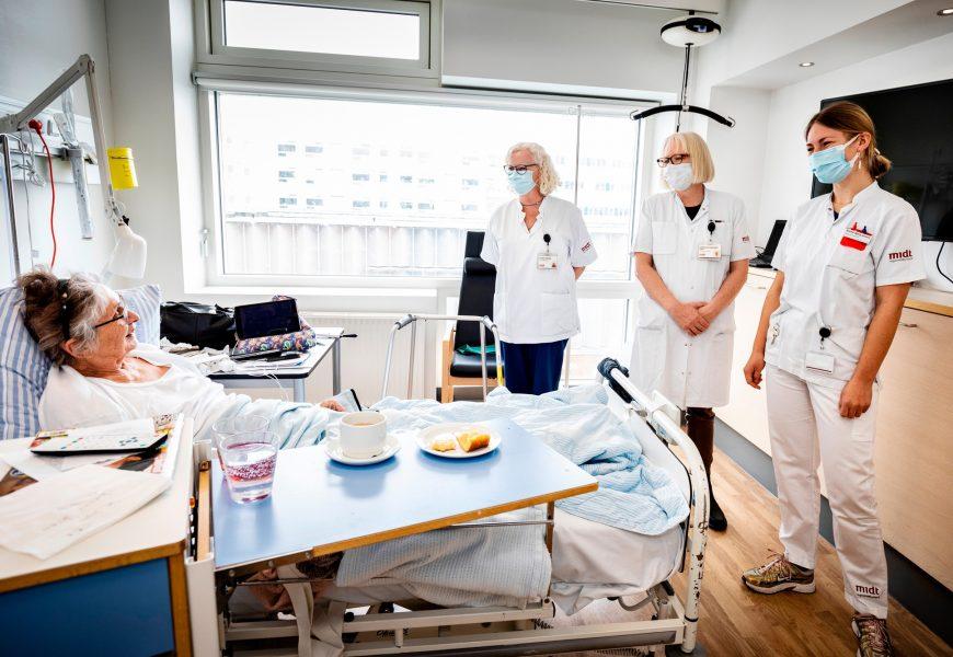 英語醫療服務 與 外國養老金領取者的醫療保健